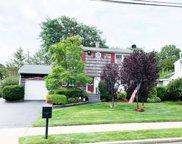 4 Salem  Lane, Selden image