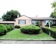 39 Normandy Dr, Bethpage image
