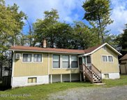 542 Country Place Drive, Tobyhanna image