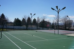 Cottonwood Hills tennis court