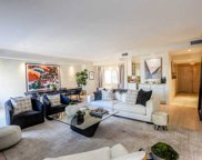 121 S Palm Dr, Beverly Hills image