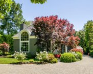 30 Amador Ave, Atherton image