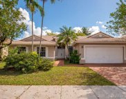 327 Sw 185th Ter, Pembroke Pines image
