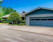 831 MEADOWLAWN  DR, Salem image