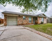 118 Bluebird Circle, Denton image