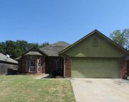 812 Hunters Run, Midwest City image