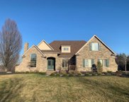 227 Lakeview Dr, Moon/Crescent Twp image