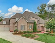 8864 Cravenwood Drive, Oak Ridge image