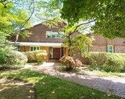 5A Foxwood  Road, Great Neck image