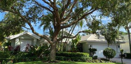 105 Pembroke Drive, Palm Beach Gardens