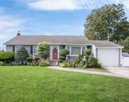 1500 Crown St, Wantagh image
