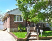 171-14 68th Ave, Fresh Meadows image