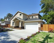 556 Farley St, Mountain View image