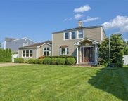 30 Hickory  Lane, Roslyn Heights image