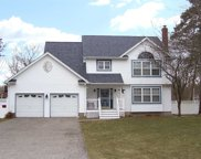 8 Cotton Tail Ct, Shirley image
