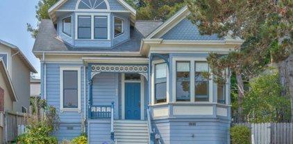 557 Hawthorne St, Monterey