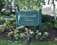 5 Tanglewylde  Avenue Unit #3E, Bronxville image