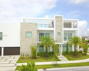 10520 Nw 68th Ter, Doral image
