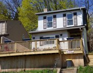 1042 Lessing St, Crafton Heights image