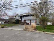 206 Connetquot  Road, Oakdale image
