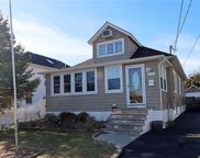 2060 Willoughby  Avenue, Wantagh image