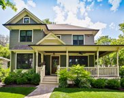 403 Wedgemere Place, Libertyville image