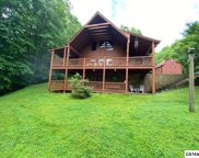 2449 Shady Creek Way, Sevierville image