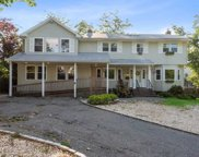 5 Ponds Edge  Rd, Oyster Bay image