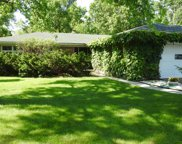 1035 Kings Lane, Glenview image