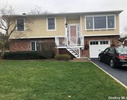 6 Saltaire  Lane, Bayville image