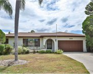 604 Kingston Court, Apollo Beach image