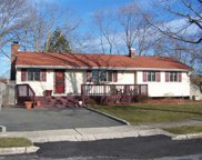 1 Norwalk Ln, Selden image