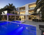 9066 ST IVES Drive, Los Angeles (City) image