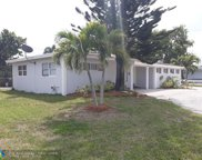 650 NW 39th St, Oakland Park image