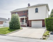 150-10 6 Ave, Whitestone image