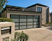 5698 HOLLY OAK Drive, Los Angeles image