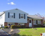 28 Fresh Meadow Dr, Lancaster image