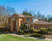 312 Ivy Hill  Court, Muttontown image