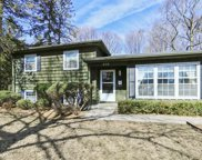 616 East Lincoln Avenue, Libertyville image