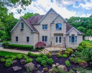 28 Lone Oak Path, Smithtown image