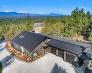 2624 Nw Sample  Court, Bend image