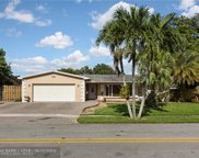 2201 NW 87th Ter, Pembroke Pines image
