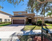 16504 Diamond Pl, Weston image