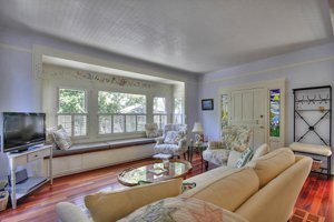 218 Chestnut Cottage in Pacific Grove, ca