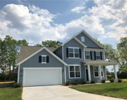 15856 Shadow Lands  Drive, Noblesville image