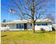 27 Swan Lane, Levittown image