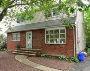 540 Broughton Ave, Bloomfield Twp. image
