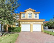 10907 Nw 87th Ln, Doral image