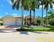 1605 Victoria Pointe Ln, Weston image