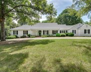 1410 Heathcliff Road, High Point image